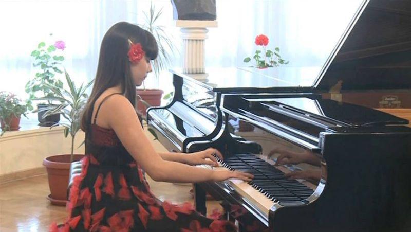 iva vukovic at piano