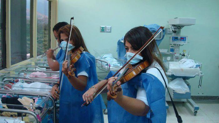 violins performed for new born babies in hospital