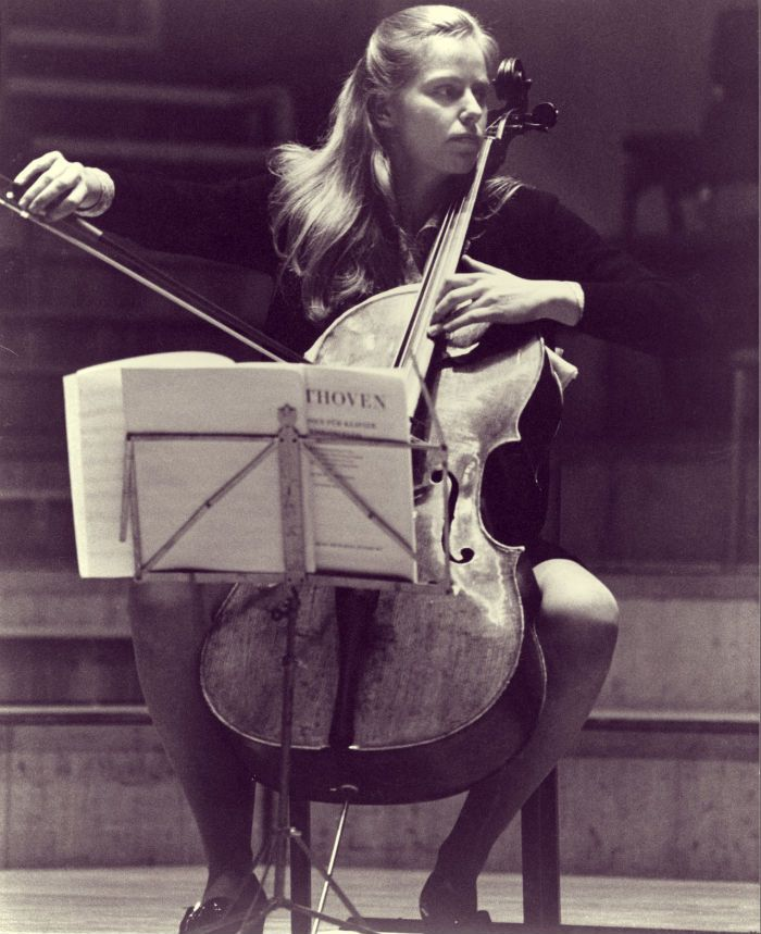 Jacqueline du Pré playing Beethoven