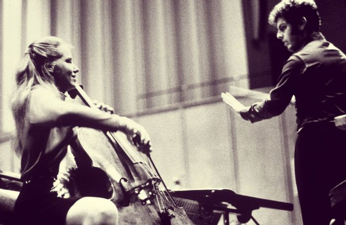 Jacqueline Du Pre and Daniel Barenboim. Photo by Sefton Samuels / Rex Features