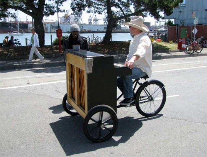 mobile piano in San Francisco gary the piano guy