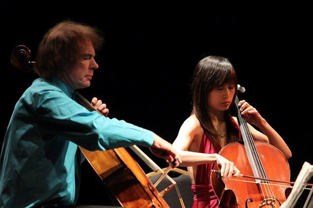 Julian and Jiaxin perform at Salisbury City Hall in London